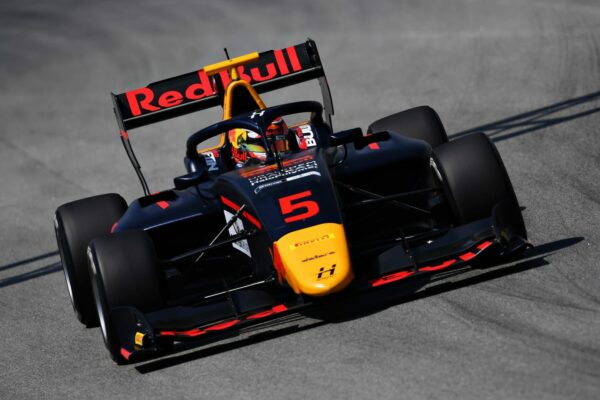L Liam Lawson - Hitech Grand Prix (C) Formula Motorsport Limited