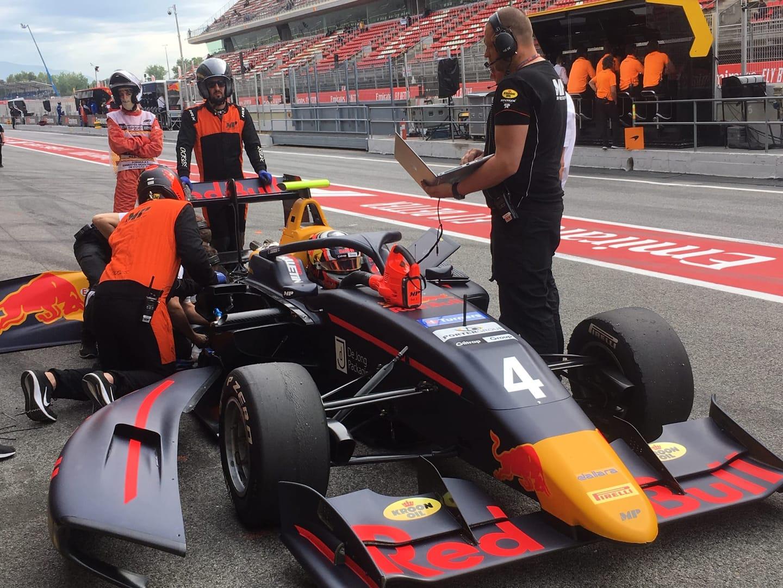 Throttle motor failure handicaps Lawson in opening race